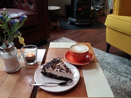 Koffie en huisgemaakt gebak
