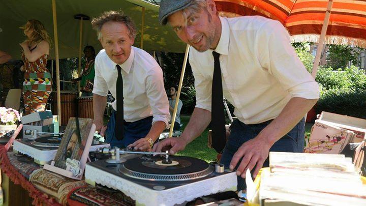 Retro DJ's Plaatjes vullen gaatjes